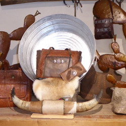 Country Decor and Rustic Home Accessories